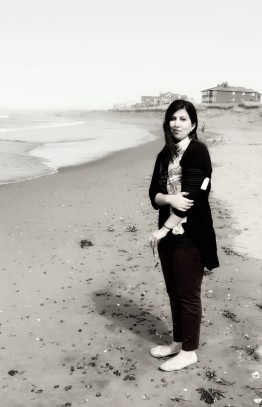 soniya-ahmed-bw-beach